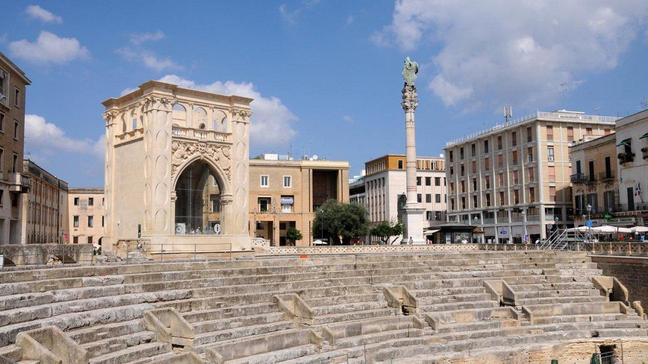 Piazza S.Oronzo, Lecce