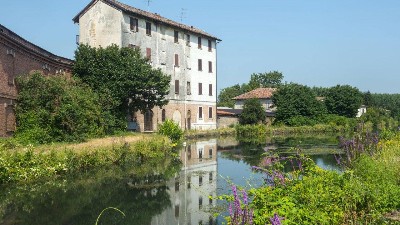 Certosa Di Pavia on the Naviglio Pavese