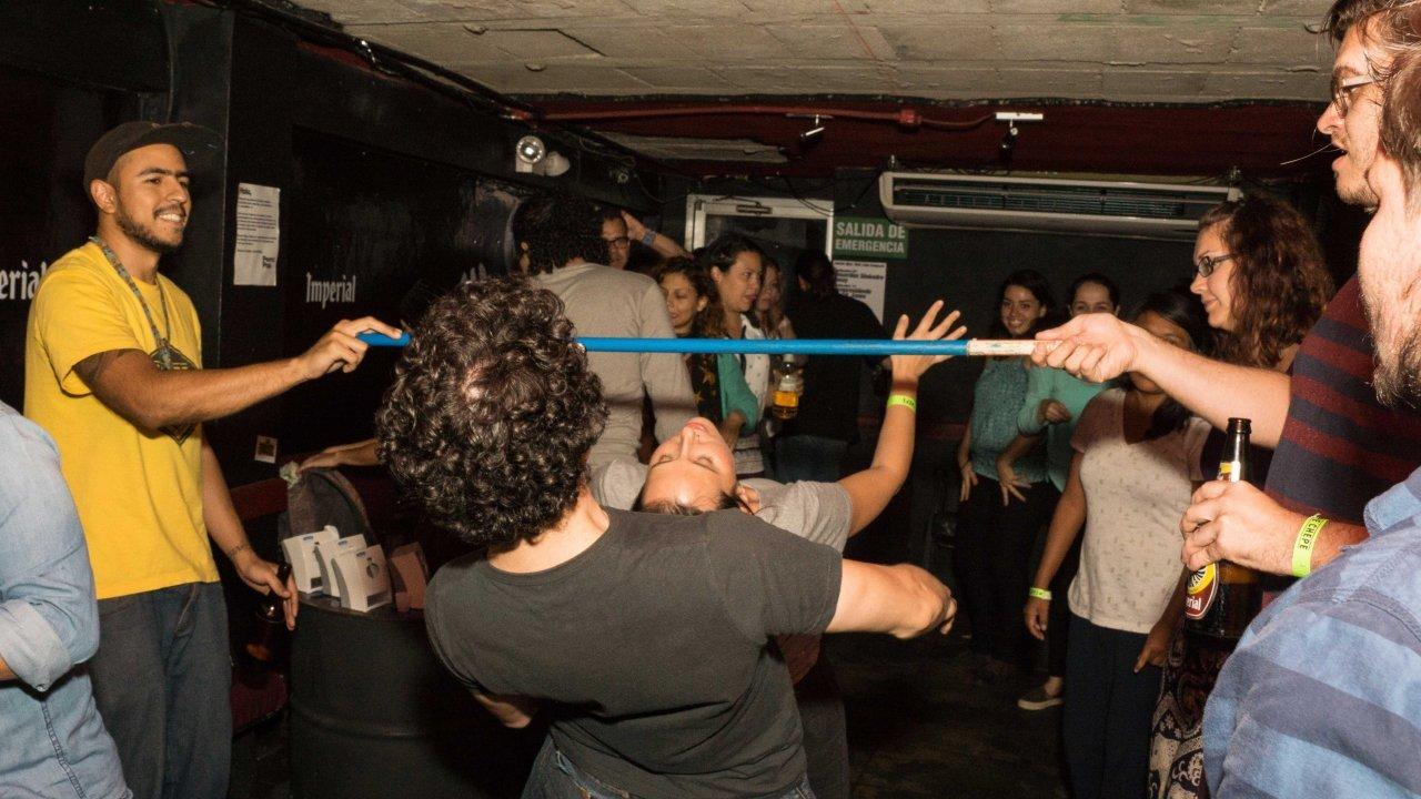Pub Crawl Costa Rica - party with locals