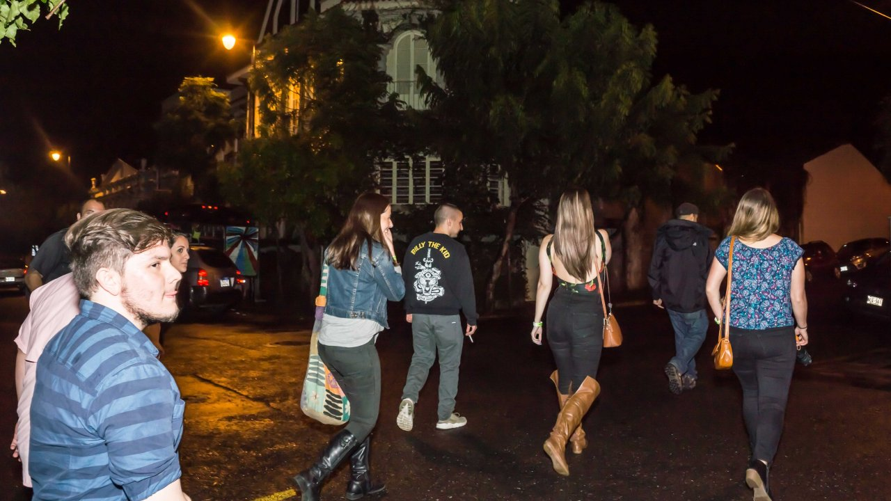 Pub Crawl Costa Rica - walk the city at night